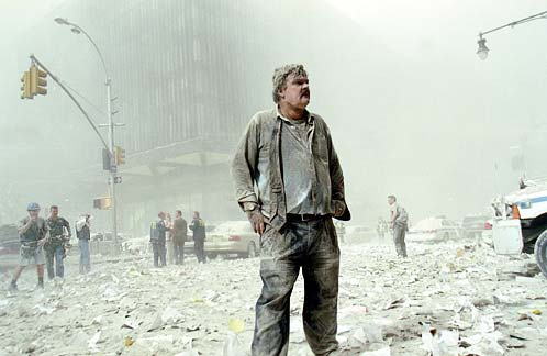 貿易センター崩壊から生き延びた埃まるけの男性